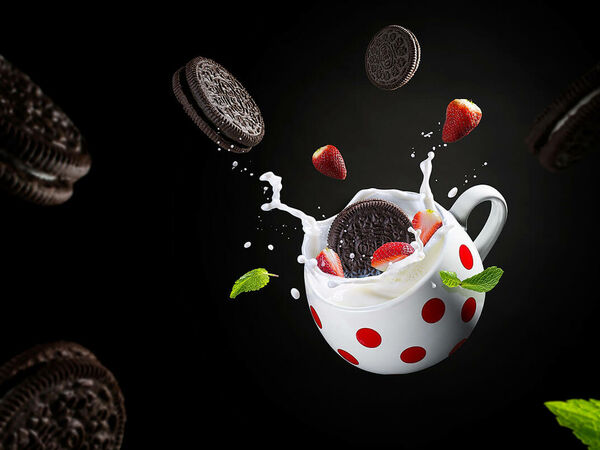 Dusan Holovej - product and advertising photography - OREO BISCUIT SPLASH
